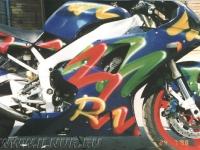 аэрография на синем мотоцикле Yamaha R1