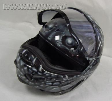 «Змея в обтяжку» аэрография на шлеме 2000 г.