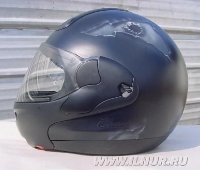 «С пулей в голове»  аэрография на шлеме