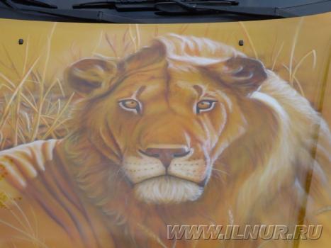 2002 г. «Злачный лев» аэрография на Субару