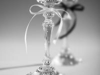 инкрустация фужеров стразами SWAROVSKI  отличный подарок на свадьбу