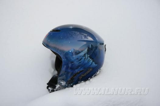 горнолыжный шлем с аэрографией 2012 г.