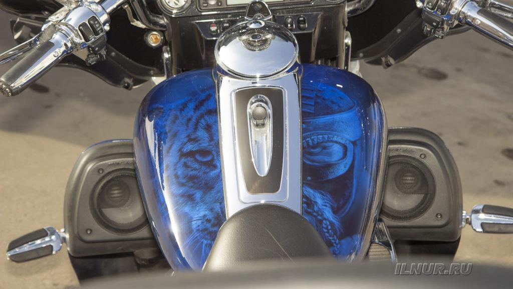 аэрография на синем-Harley Davidson
