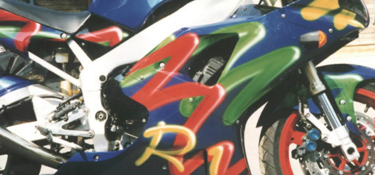 «Шланги» аэрография на Yamaha R1 1998 г.